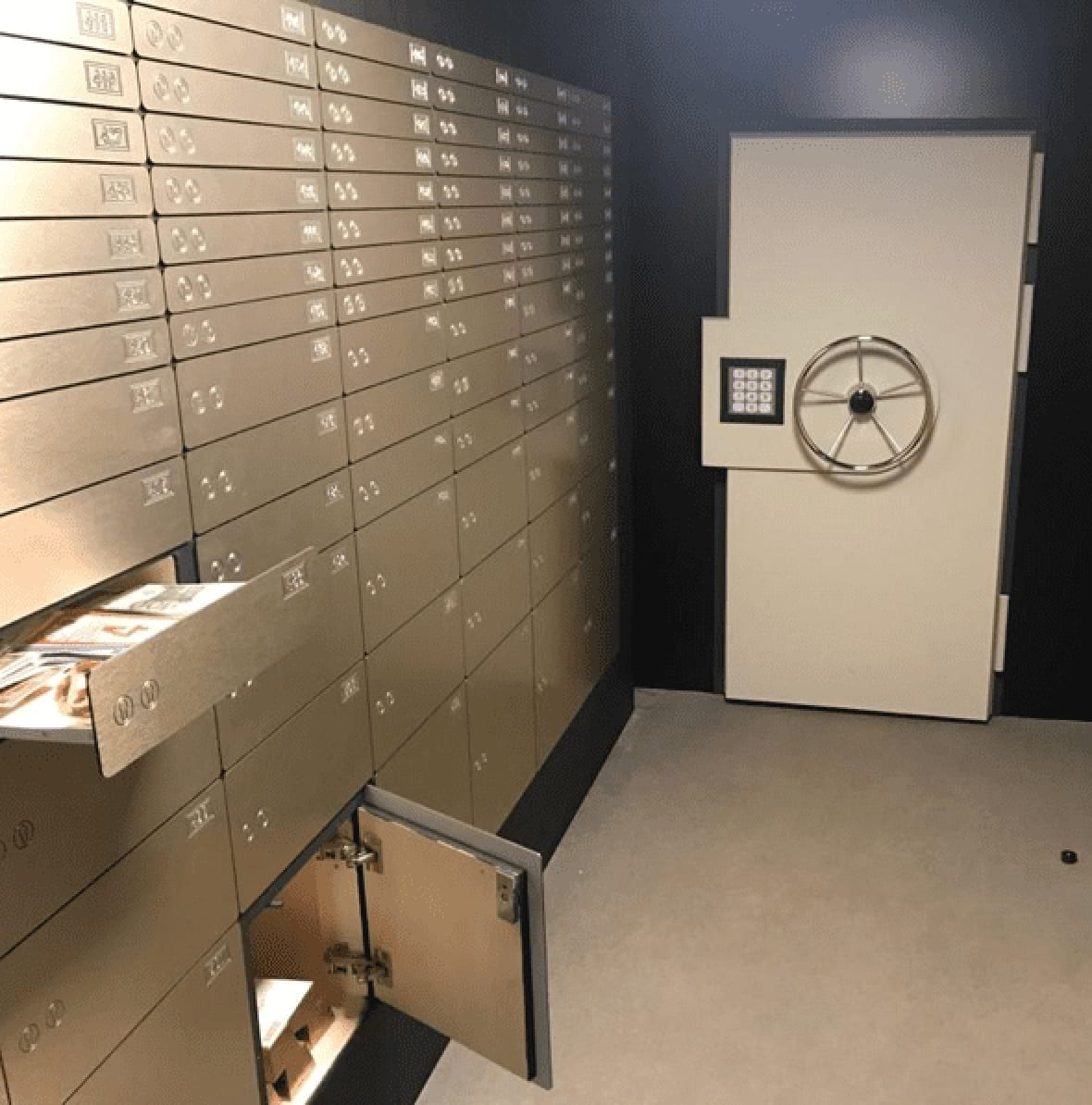 Escape room – Room with several safe drawers